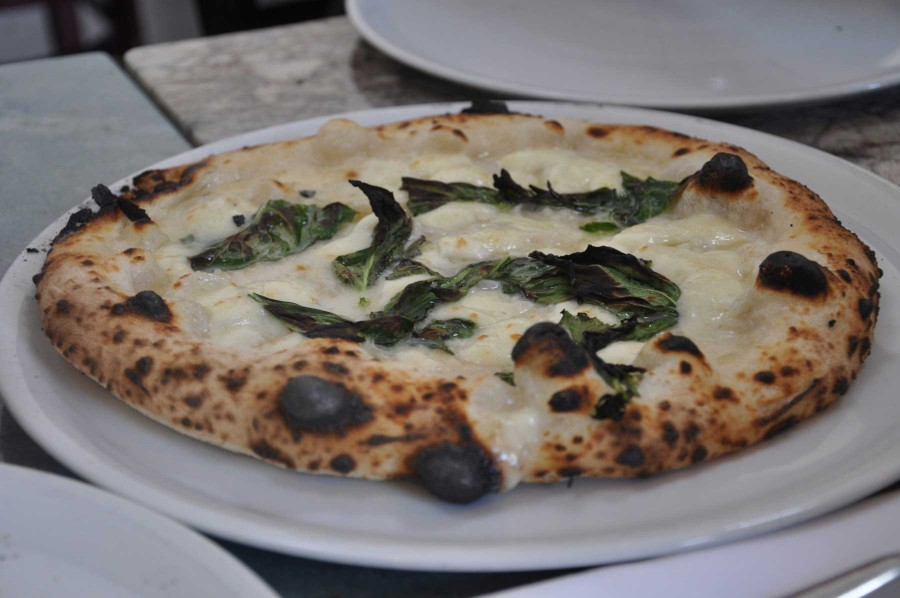 Una Pizza Napoletana Review