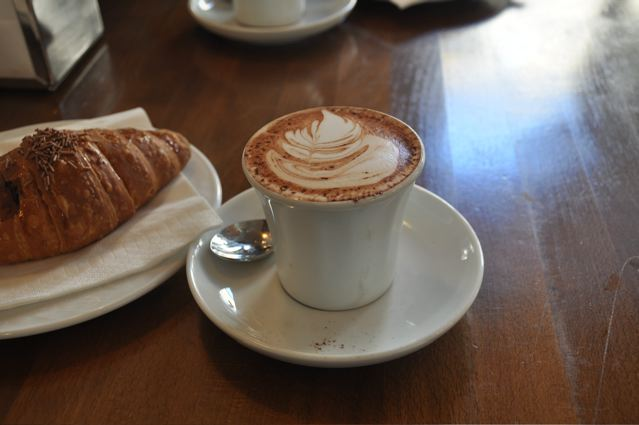 Starbucks, Please no more to go cups!!! [Tom's notes from Italy]